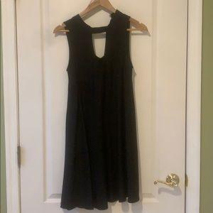Black shift dress with keyhole M